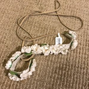 NWT Icing Flower Crown